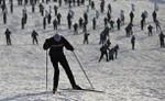 'Лыжня России' в Яхроме, около 50 км от Москвы, 12 февраля 2012 года.