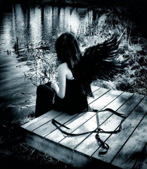 http://img0.liveinternet.ru/images/attach/b/0/1288/1288263_12346559_Dark_Angel_by_ReflectionOfHate.jpg