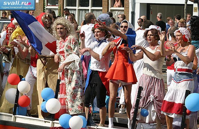 Гей-парад в Амстердаме, Нидерланды.