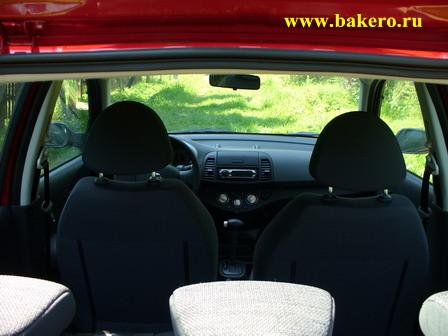 Nissan Micra: вид на салон со стороны багажника