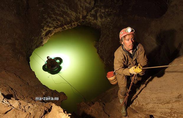 Глубоко под землей на севере Испании.