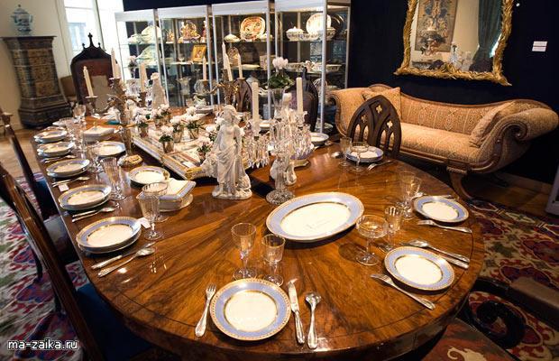 Мебель, картины и предметы из дома модельера Ив Сен Лорана выставлены на аукцион