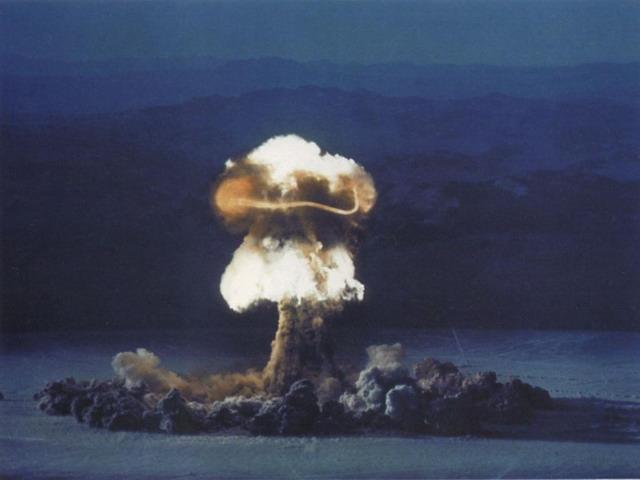 """...захват силами НАТО Калининградской области, а Японией - Южных Курил  """"само существование государства """" под угрозу не..."""