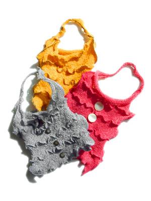 Актуальность вязаной сумки.
