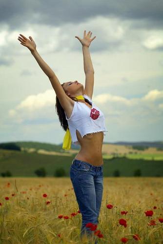 8604455_3134800_29743_13234171_11684862_11362389_Yellow_Dream_II_by_Mircea_BEZERGHEANU1 (334x500, 39Kb)
