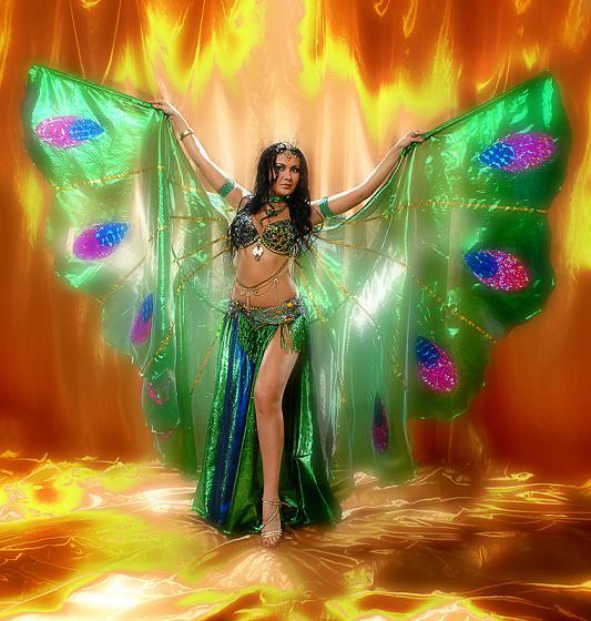 Разучивание новых движений танца.  Главное в танце живота не строгое следование канонам, а темперамент и...