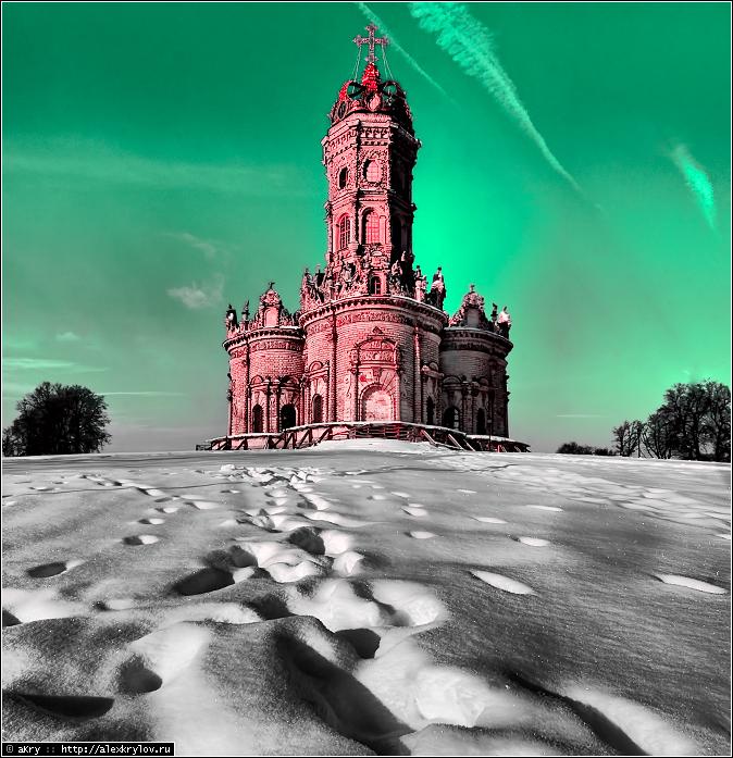 Церковь Знамения в Дубровицах, не без цвета