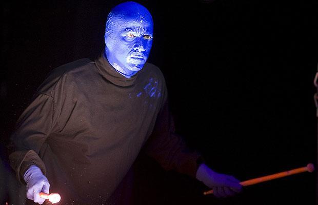 Группа Голубой человек