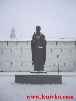 Троице-Сергиева Лавра: памятник преподобному Сергию Радонежскому