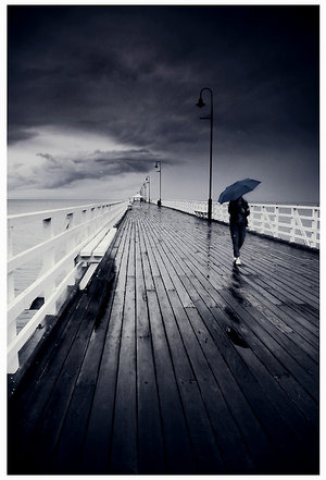 4758806_damn_this_rain_by_mineylloyd (300x441, 29Kb)