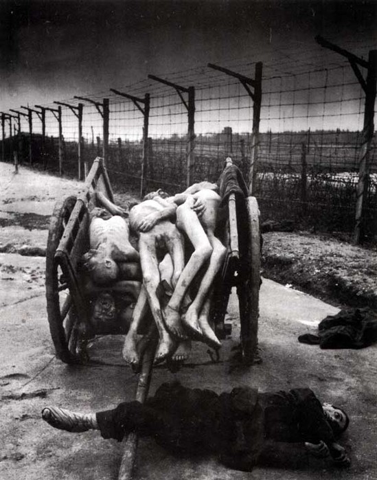 Сексуальные издевательства в концлагерях