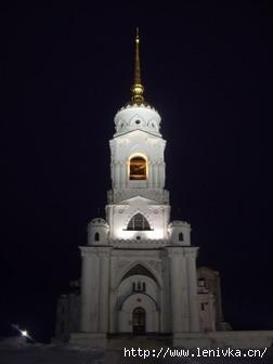 Колокольня Успенского собора во Владимире