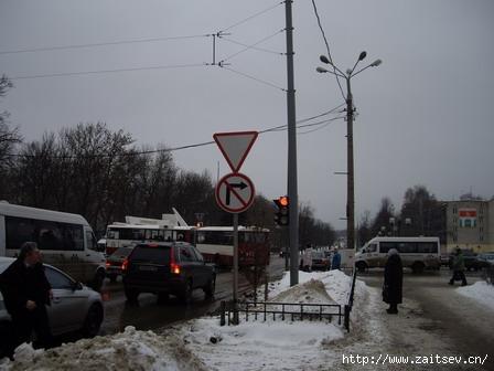 Мытищи: поворот с улицы Мира на Новомытищинский проспект запрещен всегда