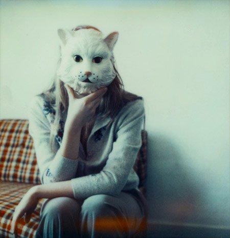Девушка с маской кошки. в альбоме.  Опубликовал.  Юки-тян.
