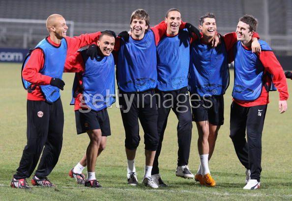 Entrenamiento del Manchester United 19/2/2008 .... Lyon, FR 18381509_cr4803mk6