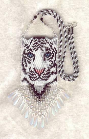 сумочка из бисера с тигром. сумочка с белым тигром.
