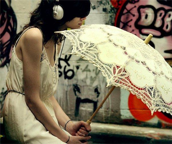 зонт и наушники (600x502, 70Kb)