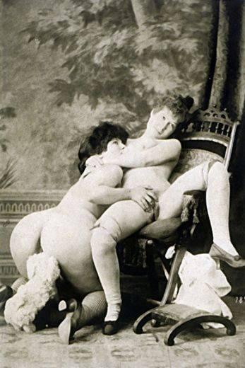 Зрелые женщины. черно-белые порно фото. групповуха. ретро порно. минет. кун