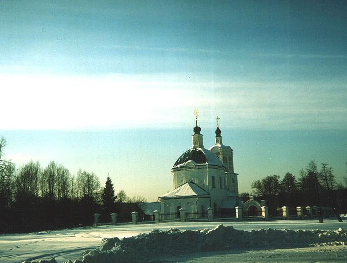 Новоспасское, Тихвинская церковь, родовая церковь М. И. Глинки