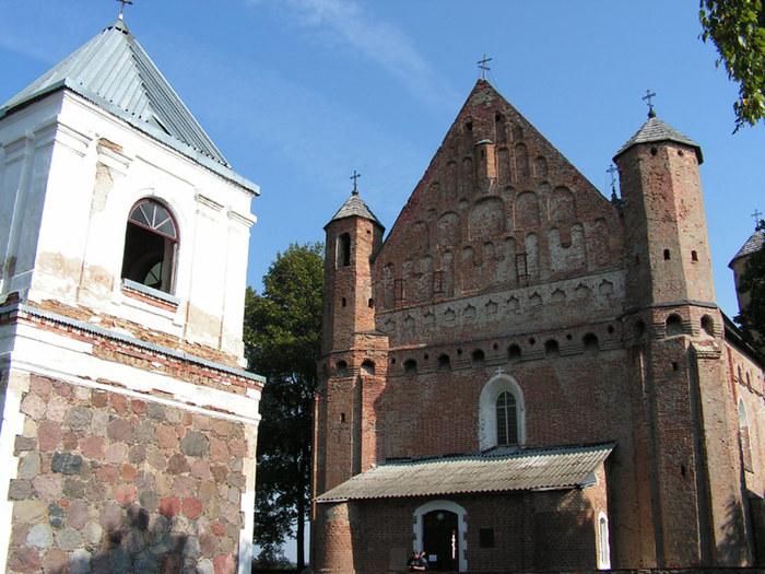 Церковь-крепость в Сынковичах