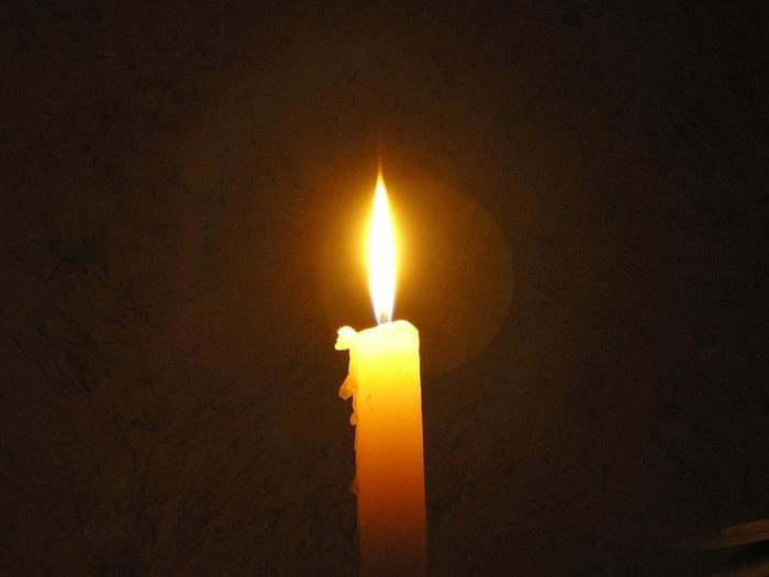 Картинки по запросу желтая горящая свеча