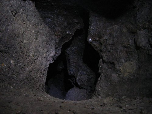 http://img0.liveinternet.ru/images/attach/b/3/27/266/27266532_800pxZolushka_cave_excavations.jpg