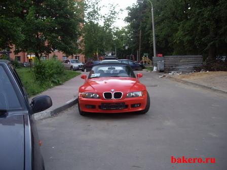 BMW Z3-маленький и красный родстер