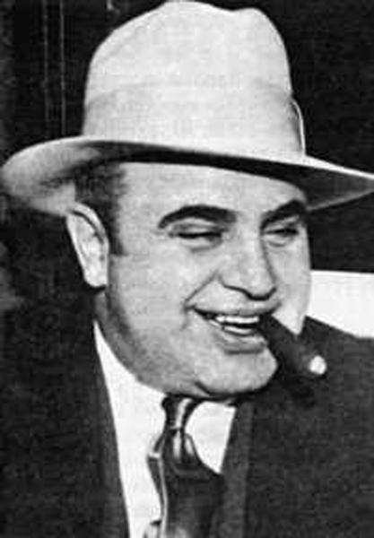 В начале 1921 года Аль Капоне отправился в Чикаго по приглашению своего...