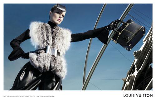 Для рекламы новой коллекции Louis Vuitton Марк Джейкобс, креативный...