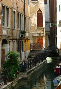 старый венецианский мостик ...