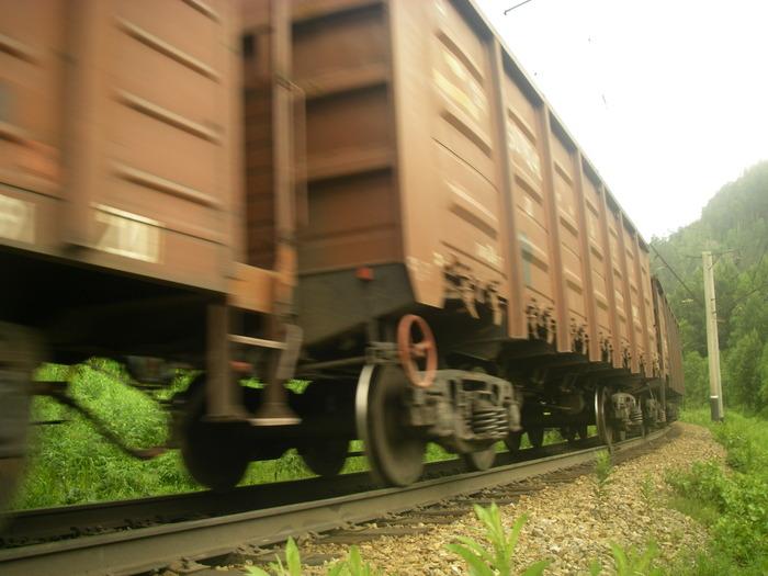 В Донецкой области сошли с рельс 5 вагонов грузового поезда