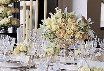 Украшение и сервировка свадебного стола - очень важный этап в подготовке к проведению торжества, созданию атмосферы...
