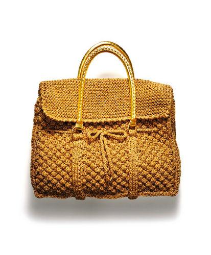 Красная летняя сумка, связанная спицами.