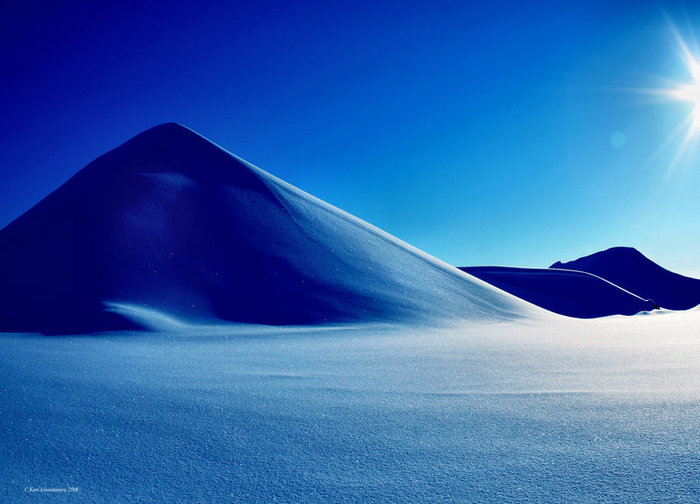 http://img0.liveinternet.ru/images/attach/b/3/42/111/42111060_desert_snow_by_karil.jpg