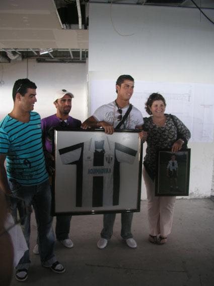 Galeria de Fotos Variadass d' Cristiano ! - Página 6 7948413_78138290