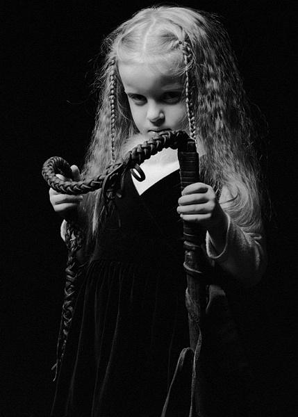 девушки с плёткой-фото в контакте