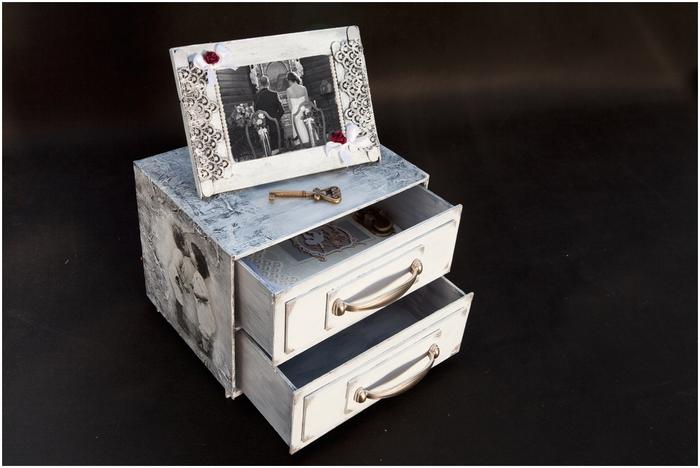 Комодик и рамочка для фотографий из картона. Мастер-класс (6) (700x468, 210Kb)