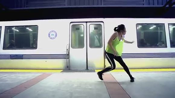 Девушка записала видео, как учила танец целый год