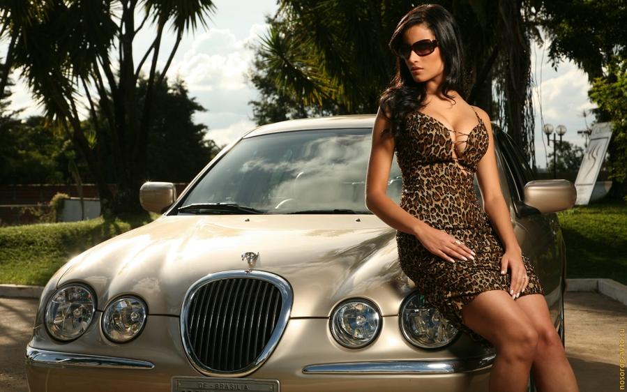 Шаблон для фотомонтажа - Богатая девушка и ее Jaguar.