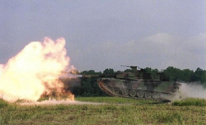 19_tank (700x425, 209Kb)