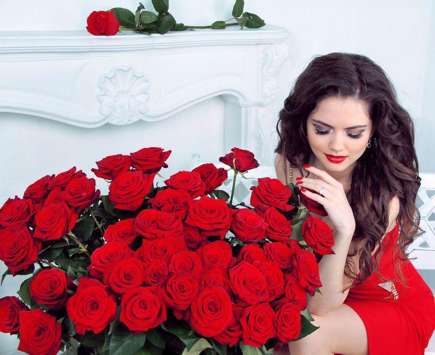 красивые аватарки девушки брюнетки: