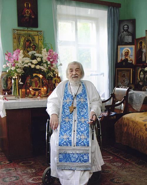 В келии Архимандрит Иоанн Крестьянкин (500x630, 394Kb)