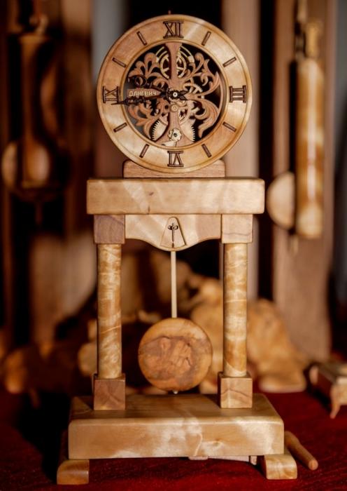 деревянные часы Валерий Даневич (496x700, 195Kb)