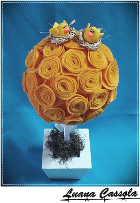 Топиарии из фетровых розочек. Мастер-класс по созданию цветов из фетра (11) (484x700, 260Kb)
