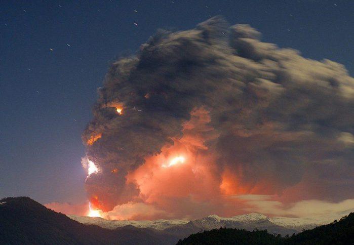 Извержение вулкана Пуйеуэ, Чили (700x484, 35Kb)