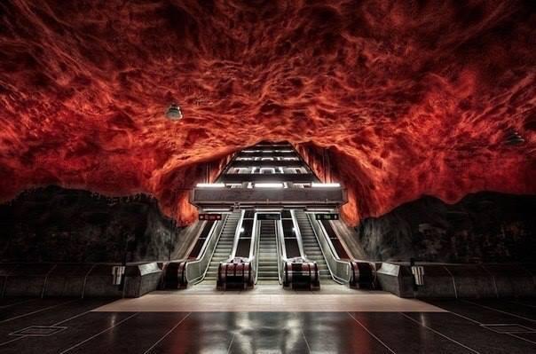 Одна из станций метро в Стокгольме, Швеция (604x399, 40Kb)