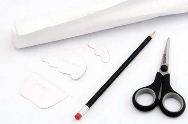Простенькая аппликация кекса для украшения одежды новорожденного (2) (630x416, 265Kb)