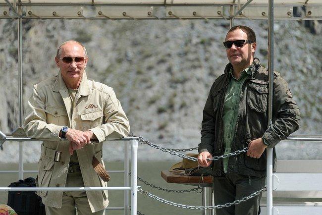 Путин поймал щуку. Фото из Тувы © пресс-служба Президента России 2 a (650x434, 171Kb)