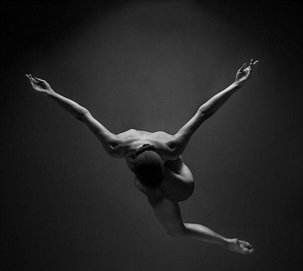 Голые танцующие девушки фото 20382 фотография