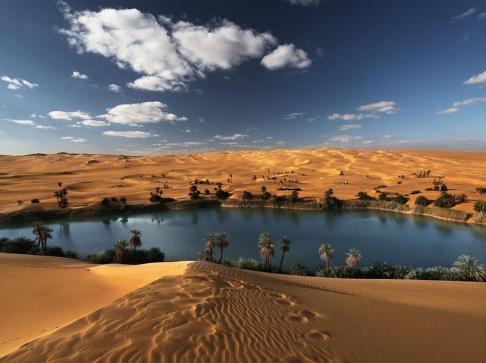 озера пустыни (700x524, 350Kb)